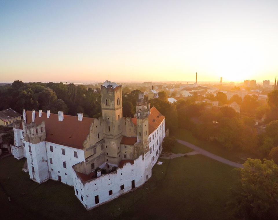 Zámek v Břeclavi s vyhlídkovou věží
