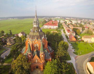 Kostel Poštorná - letecký pohled